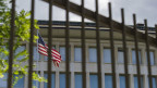 Beinahe täglich gibt es  Enthüllungen über die Abhör-Machenschaften der USA. Bild: Die US-Botschaft in Bern.