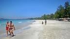 Ein Strand an der Westküste Burmas - die touristische Infrastruktur lässt manchenorts zu wünschen übrig.