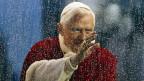 Papst Benedikt XVI dankt ab. Pater Eberhard von Gemmingen hat ihn gut gekannt.