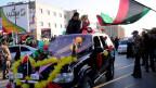 In der libyschen Hauptstadt Tripolis feiern die Menschen