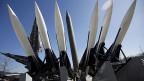 Die Uno bestraft den mit Atomwaffen drohenden Staat Nordkorea mit scharfen Sanktionen.