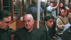 Kardinal Jorge Mario Bergoglio, 2008 unterwegs in der U-Bahn in Buenos Aires. Jeztt ist er Papst Franziskus.