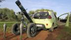 Die syrischen Rebellen haben einen Granatwerfer mit einem Privatauto in Stellung gebracht. In der syrischen Provinz Idlib.