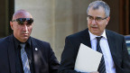 Der zypriotische Präsident Anastasiades  und Zentralbankchef Demetriades am Sonntag 17. März in Nicosia.