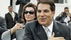 Der ehemalige tunesische Machthaber Ben Ali mit seiner Frau Leila im Herbst 2009 in Tunis.