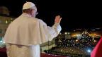 «Buona sera» - sind die ersten Worte von Papst Franziskus auf dem Petersplatz in Rom.