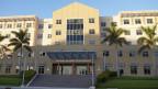 Blick auf das Regierungsgebäude auf den Cayman Inseln.