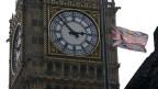 Die britischen Nationalflaggen stehen auf Halbmast in Respekt vor dem Tod von Margaret Thatcher.