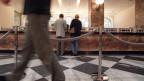 Alltagssszene in der UBS-Schalterhalle. Symbolbild.