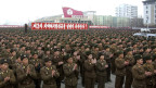 Nordkorea soll nie als Atommacht toleriert werden, sagt US-Aussenminister John Kerry. Bild: Nordkoreanische Soldaten feiern der dritten Atomtest auf dem Kim Il-Sung Platz in Pyongyang 14. Februar 2013. Auf dem Plakat steht: «Wir feiern feurig den Erfolg des dritten unterirdischen Atomtests».
