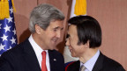US-Aussenminister John Kerry (links) spricht mit Südkoreas Aussenminister Yun Byung-Se am 12. April 2013 in Seoul.