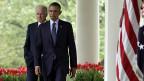 Ein schwerer Gang vor die Presse: US-Präsident Obama und sein Vize John Biden steht die Enttäuschung ins Gesicht geschrieben.