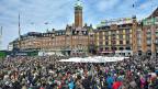 Dänische LehrerInnen protestierten am 10. April in Kopenhagen; fast den ganzen April blieben die Schulen in Dänemark geschlossen.