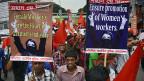 An der 1.-Mai-Kundgebung in Dhaka, der Hauptstadt Bangladeshs, war die Hauptforderung bessere Arbeitsbedingungen.