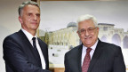 Aussenminister Didier Burkhalter (links) mit Nahmoud Abbas, Präsident von Palästina, am 2. Mai 2013 in Ramallah.