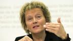 Bundesrätin Eveline Widmer-Schlumpf an einer Pressekonferenz