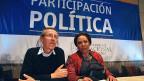 Der ehemalige Gouverneur von Narino und M19-Guerilla-Mitglied Antonio Navarro und die ehemalige kolumbianiche Senatorin Piedad Cordoba am 28. April in Bogota.