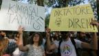 Die Proteste in der Türkei richteDie Proteste in der Türkei richten sich gegen Premierminister Erdogan.n sich gegen Premierminister Erdogan.