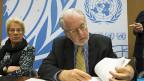 Die Schweizerin Carla del Ponte und der Brasilianer Paulo Pinheiro präsentieren den neuesten Bericht der UNO-Sonderkommission zu Syrien, am 3. Juni in Genf.