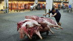 In China wird immer mehr Schweinefleisch gegessen.