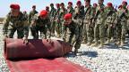Gefängnis von Bagram am 25. März 2013: Afghanische Soldaten bereiten die Übergabezeremonie der Nato an die Afghanen vor.