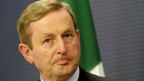 Der irische Premier Enda Kenny muss sich am G8-Gipfel auf ungemütlich Fragen gefasst machen.