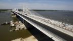 Blick auf die neue Brücke über die Donau, die Calafat in Rumänien und Vidin in Bulgarien verbindet.