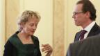 Finanzministerin Eveline Widmer-Schlumpf im Gespräch mit EU-Kommissar Algirdas Semeta.