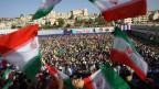Die Hisbollah im Libanon feiert den Besuch des iranischen Präsidenten Mahmoud Ahmadinjad während seiner Rede im Süden libanesischen Stadt Bint Jbeil.