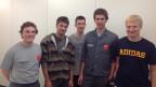 Die fünf frischgebackenen Automatiker, resp. Polymechaniker, kurz vor ihrer Abreise nach China.