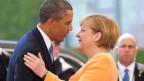 Bundeskanzlerin Angela Merkel begrüsst U.S.Präsident Barack Obama in Berlin am 19. Juni 2013.