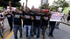 Arbeiter marschieren während einer Protestaktion gegen den Confederations Cup und die Regierung von Dilma Rousseff in Brasilien am 20. Juni 2013.