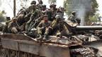 Kongolesische Regierungstruppen am 16. Juli in der Nähe der Stadt Goma in Ostkongo.