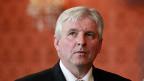 Der tschechische Premier Jiri Rusnok stellt vor dem Parlament die Vertrauensfrage, der Ausgang ist ungewiss.