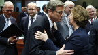 Catherine Ashton (rechts) begrüsst Guido Westerwelle während eines Notfalls EU-Aussenministertreffens in Brüssel am 21. August 2013.