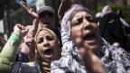 Anhängerinnen von Mursi demonstrieren
