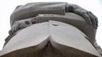 Blick auf das Denkmal für Martin Luther King in Washington. Am Rednerpult vor der Lincoln-Gedenkstätte, wo vor 50 Jahren Martin Luther King seine denkwürdige Rede gehalten hat, wird am Mittwoch Barack Obama stehen, der erste schwarze Präsident des Landes.