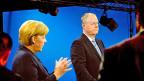 Die deutsche Bundeskanzlerin Merkel und ihr Herausforderer Steinbrück in der TV-Debatte am Sonntagabend.