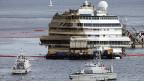 Die «Costa Concordia» am frühen Dienstagmorgen vor der Insel Giglio.