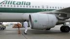 Die italienische Regierung hat der Fluggesellschaft Alitalia staatliche Hilfe in Aussicht gestellt.