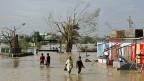 Ein Dorf an Indiens Ostküste - der Zyklon hat grosse Verwüstungen angerichtet.