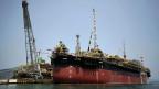 Eine Petrobras-Ölplattform. Das riesige Ölfeld vor der brasilianischen Küste, das am Montag versteigert wird, soll acht bis zwölf Milliarden Fass Öl bringen.