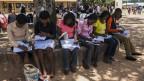 Durch die «unlauteren Geldströme» entgehen den Ländern Steuergelder, Investitionen und Arbeitsplätze. Bild: Nigerianische Studenten am Jos Polytechnic in Jos, Nigeria.