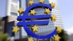 Die Mehrheit im EZB-Rat sah genug Gründe für Zinssenkung. Euro-Zeichen vor der Europäischen Zentralbank.