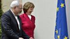 Die Hohe Vertreterin der EU Catherine Ashton (rechts) neben dem iranischen Aussenminister Mohammad Javad Zarif am 7. November 2013 in Genf.