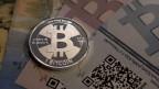 Gut gerechnet hat, wer vor einem Jahr «Bitcoins» gekauft hat. Ist das das Geld der Zukunft oder nur heisse Luft?