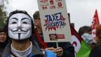 Proteste gegen die Mehrwertsteuer-Erhöhungen, am 1. Dezember in Paris.