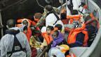 Bergung von Bootsflüchtlingen vor der Insel Lampedusa Ende Oktober.