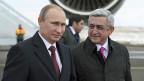 Der russische Präsident Putin und der armenische Präsident Sarksyan am 2. Dezember in Gümry.
