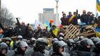 Die pro-westlichen Demonstrierenden markieren Präsenz auf dem Unabhängigkeitsplatz Maidan in Kiew.